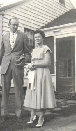 daddymotheroutsidebreezeway1958